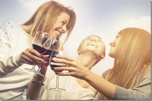 tomar una copa de vino