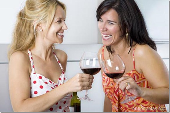 mujeres-tomando-vino.jpg