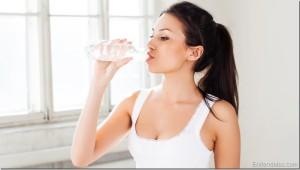 Beneficios-de-tomar-agua-en-ayunas.jpg
