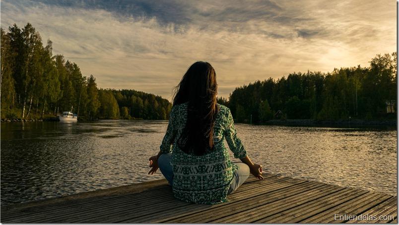 relajacion-yoga-mujer