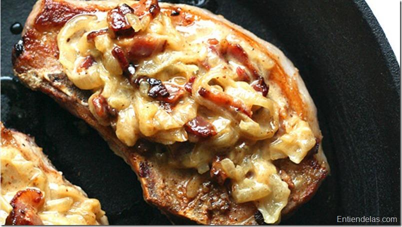 chuletas-cebolla-caramelizada-bacon